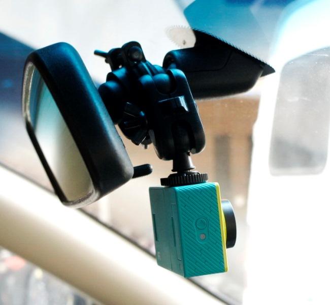 Xiaomi Yi Mounted 1